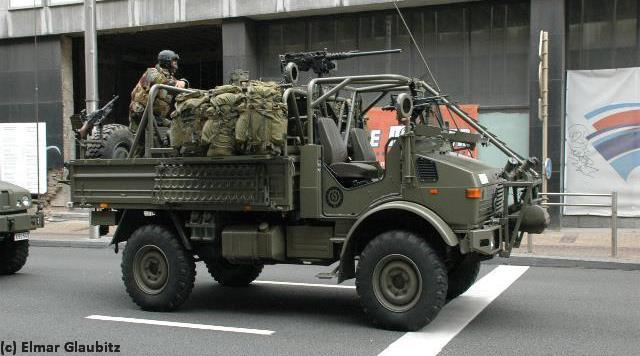 Cars 3 Zalukaj Land Rover Armored Car Warwheels Net Land