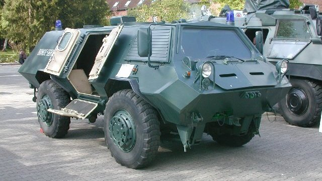 قوات مكافحة الشغب Bgs_sw_1_faun-001