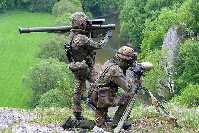Armée Allemande (Bundeswehr) Bw_flgrfausT_2_stinger-001